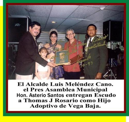 151-0_Entregan_Premio_Hijo_Adoptivo_Vega_Baja_1995