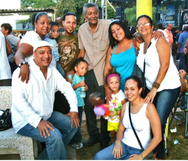 FAMILIA DE MOISES NAVEDO