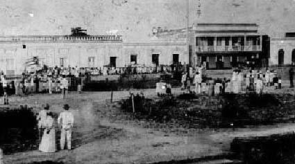 1896_plaza_publica_de_vega_baja_entierro_de_padilla