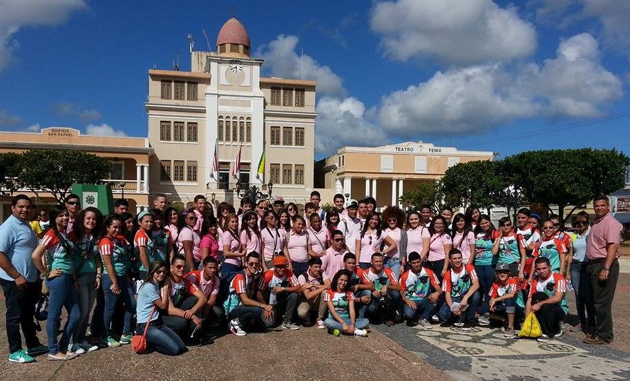 Visita de estudiantes de Corozal a Vega Baja