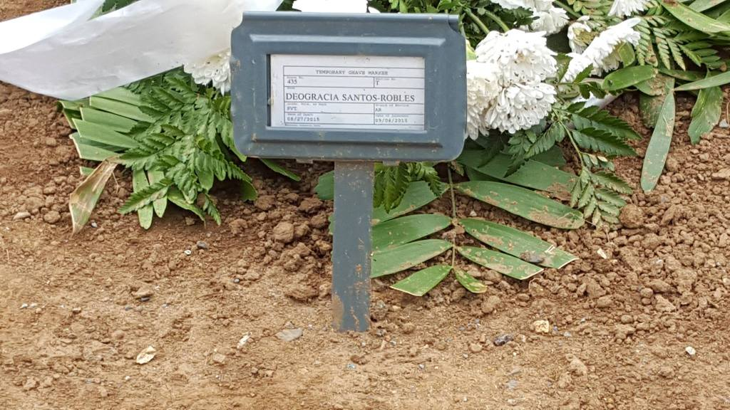 Deogracia Santos tumba en el Cementerio Nacional. 2